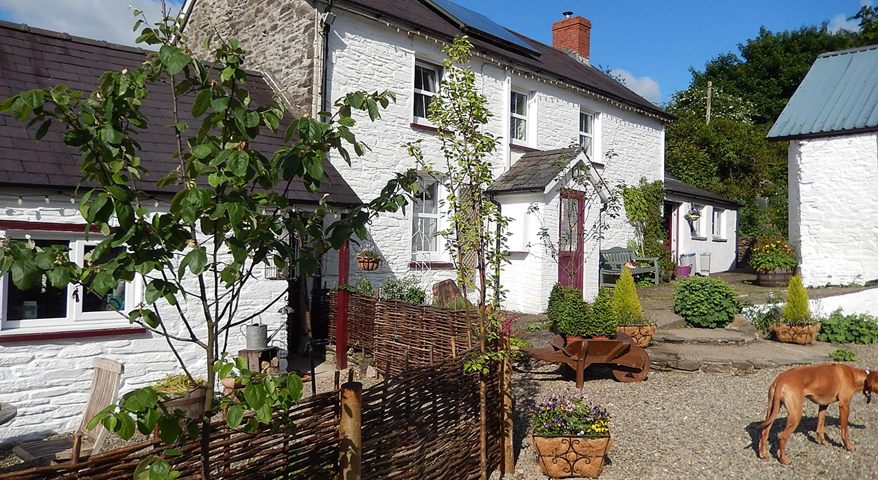 DOG FRIENDLY, LUXURY HOLIDAY COTTAGES